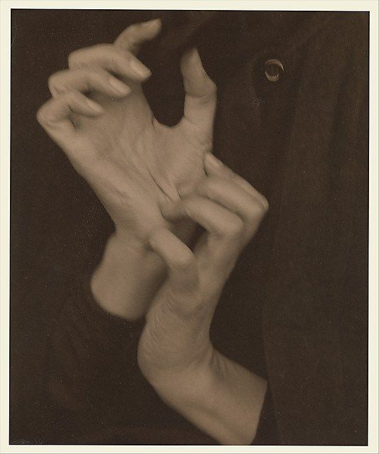 Alfred Stieglitz- Georgia O'Keeffe — Hands, 1919