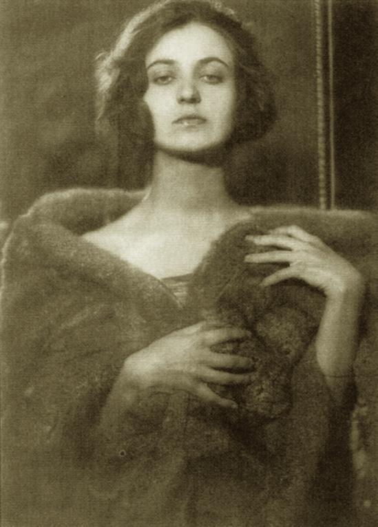 Franz Fiedler – Lady au décolleté de fourrure 1930′s