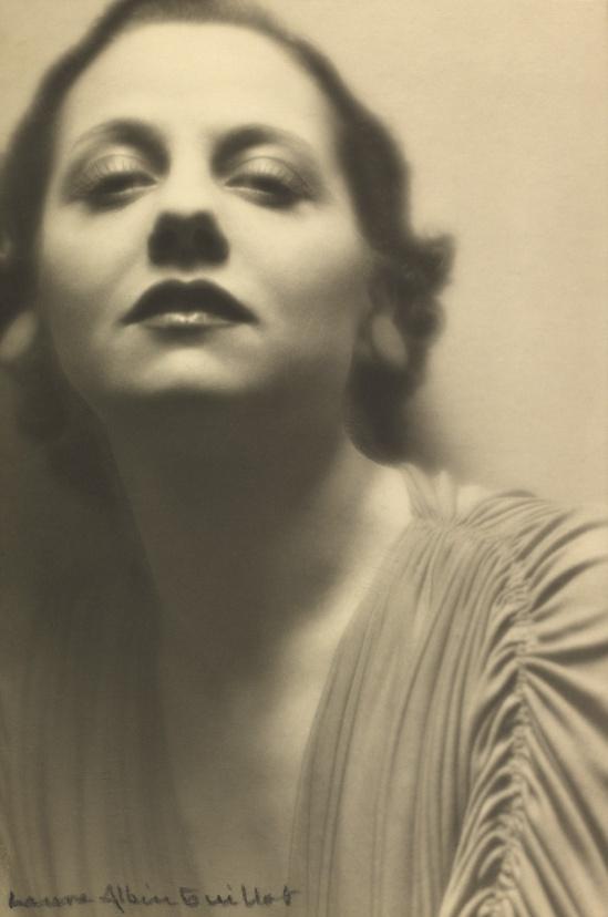 Laure Albin Guillot -Lucienne Boyer, 1935