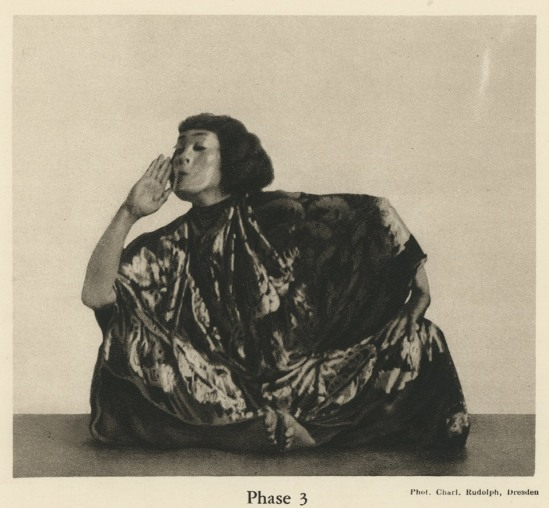Charlotte  Rudolph-Mary Wigman  Danse de sorcière ».Hexentanz, 1914