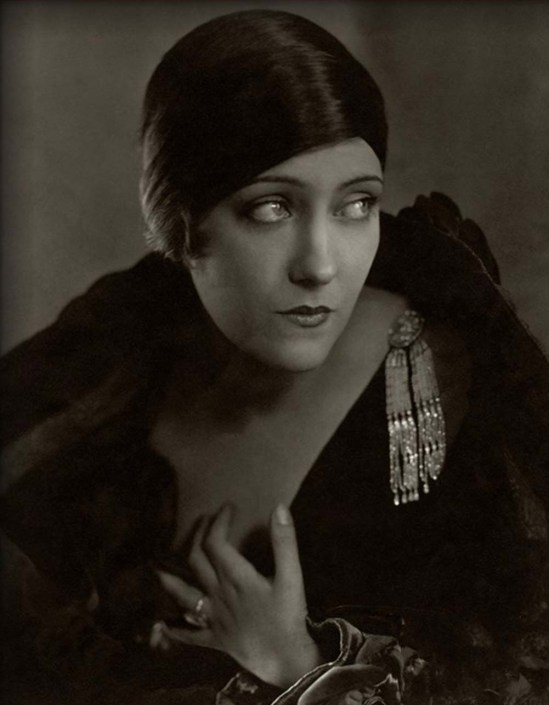 Edward Steichen- Gloria Swanson from  Vanity Fair , 1925