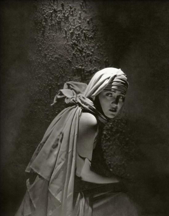 Edward Steichen- Gloria Swanson from  Vanity Fair - November 1924