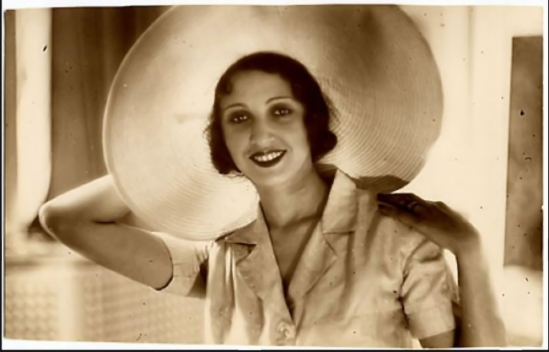 Jacques-Henri Lartigue.Renée Perle  1932