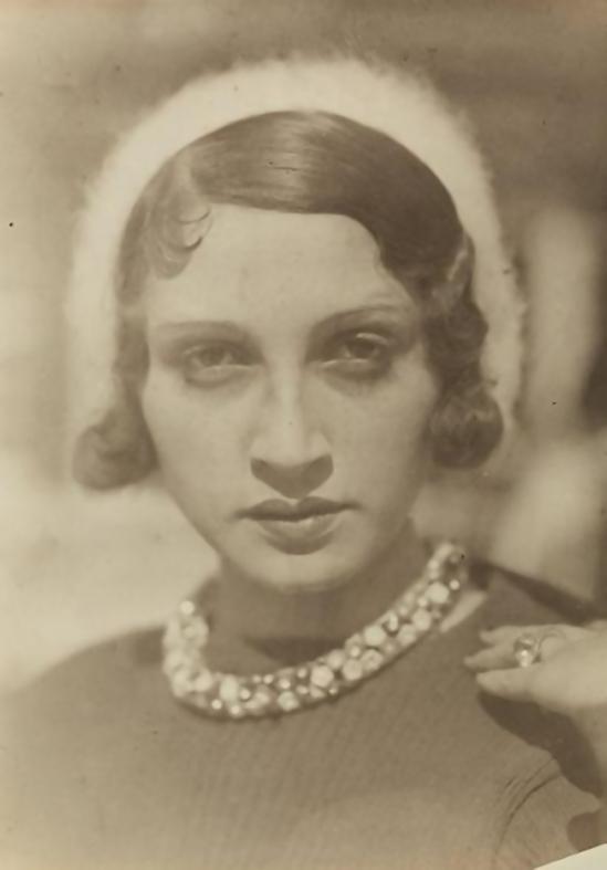 Jacques Henri-Lartigue - Renée Perle à Ermenonville, 1930