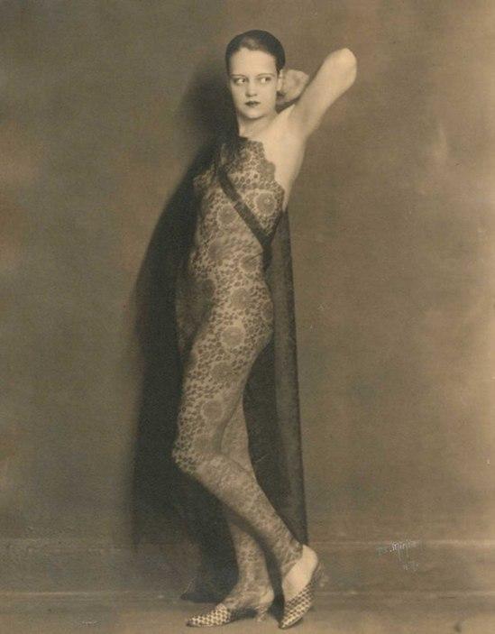John De Mirjian - Nu à la dentelle, New York, années 1920