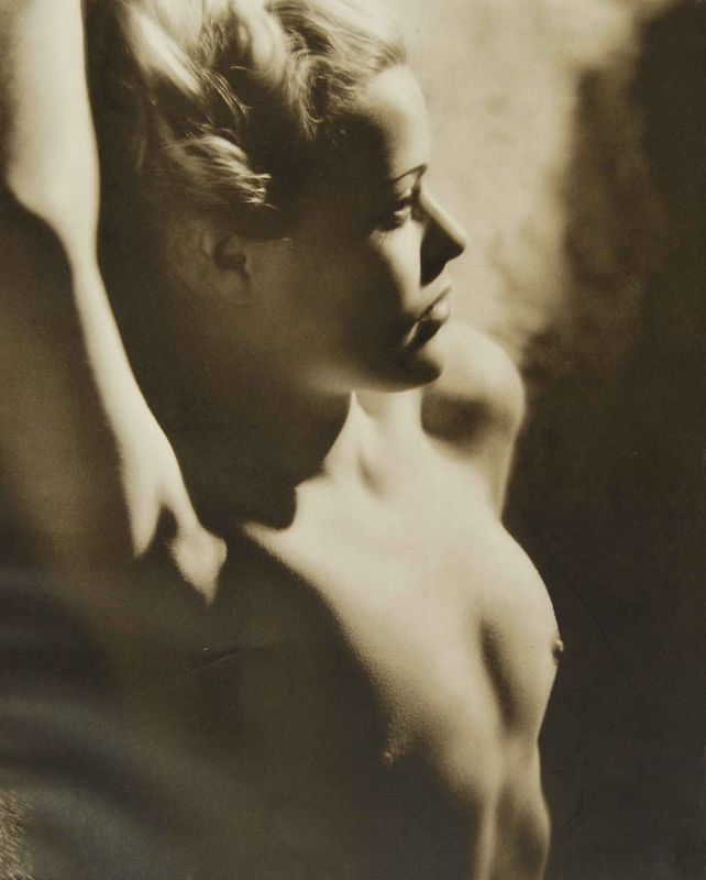 John Everard. from Portrait of a Model Londres George Routledge & Sons Ltd. 1939