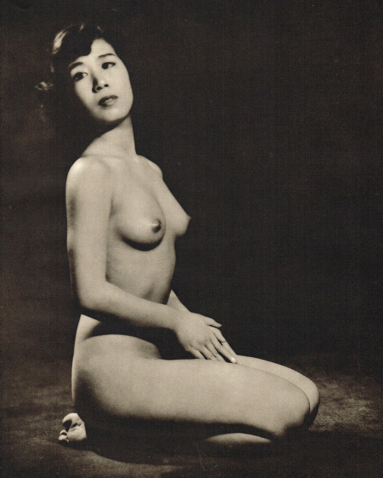 John Everard. Japanese kneeling Nude, photogravure 1950Oriental Model Published by Robert Hale Ltd., London in 1955.