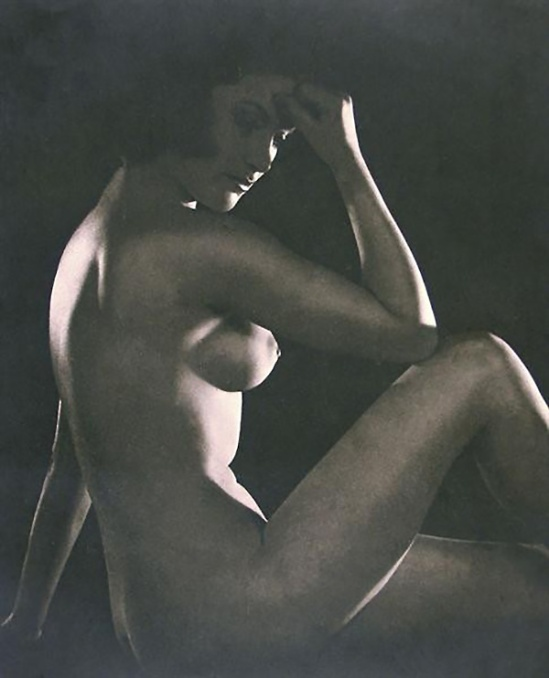 John Everard- Study of nude 31 from Judgement of Paris, French nudes, ed° George Routledge, London, 1941