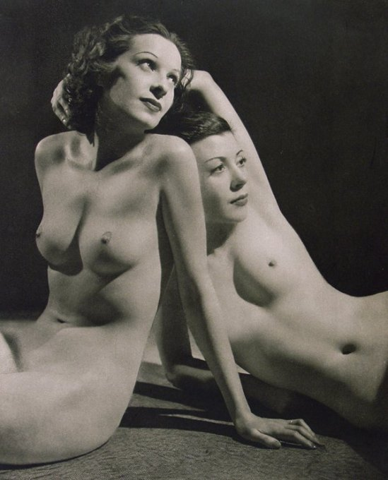 John Everard- Study of nude 2 from Judgement of Paris, French nudes, ed° George Routledge, London, 1941