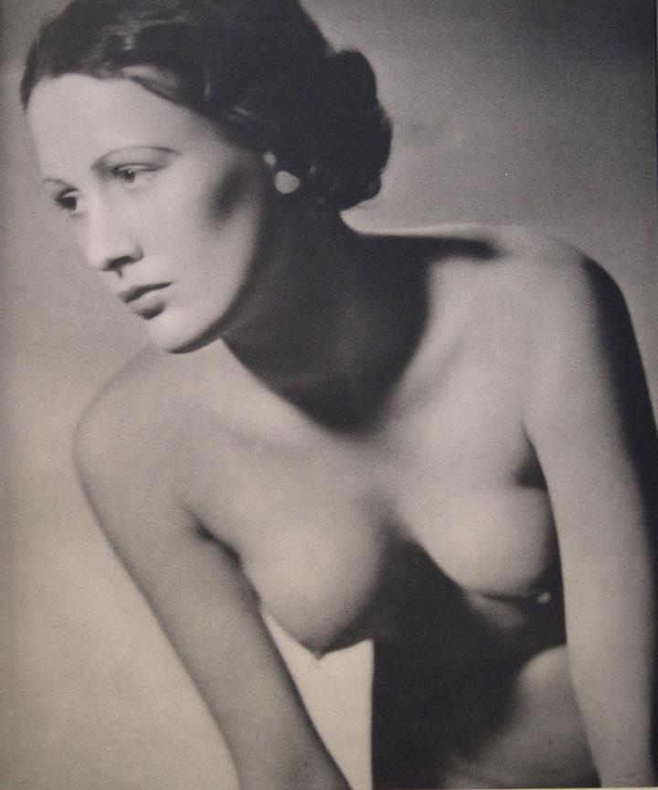 John Everard. Suty of nude from John Everard 1936( 48 photogravures) Ed° Chapman & Hall