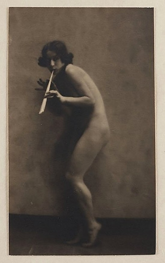 Karl F. Struss   Untitled, From the Series, The Female Figure , 1917 published in Karl Struss. From 48 photographs of the female