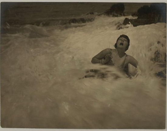 Karl Struss- The wave, 1920