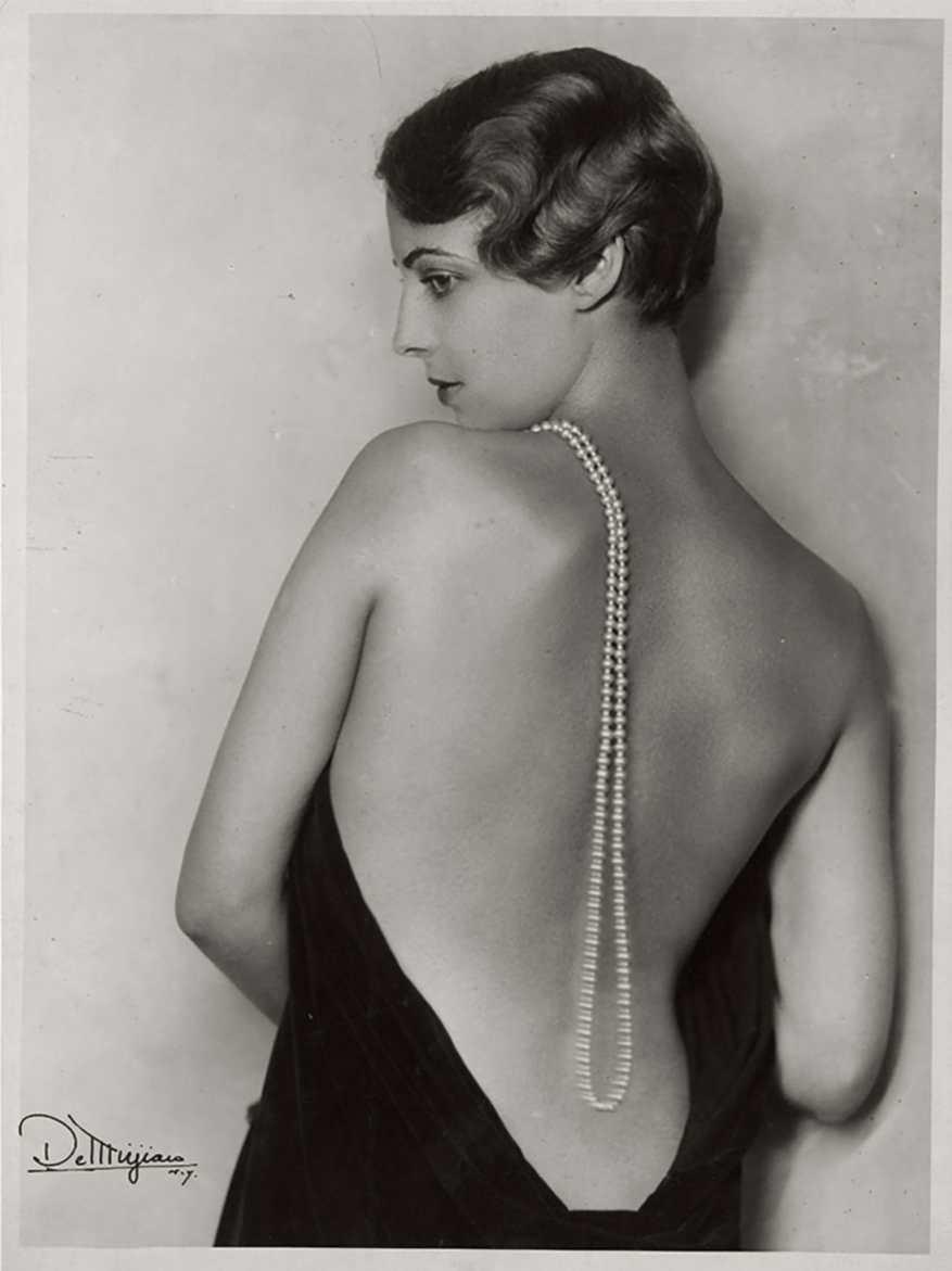 Studio de Mirjian -Photography by Arto de Mirjan (John de Mirjian's brother)-Joan Kent,with pearls In Arthur Hammerstch's musical play, 1930