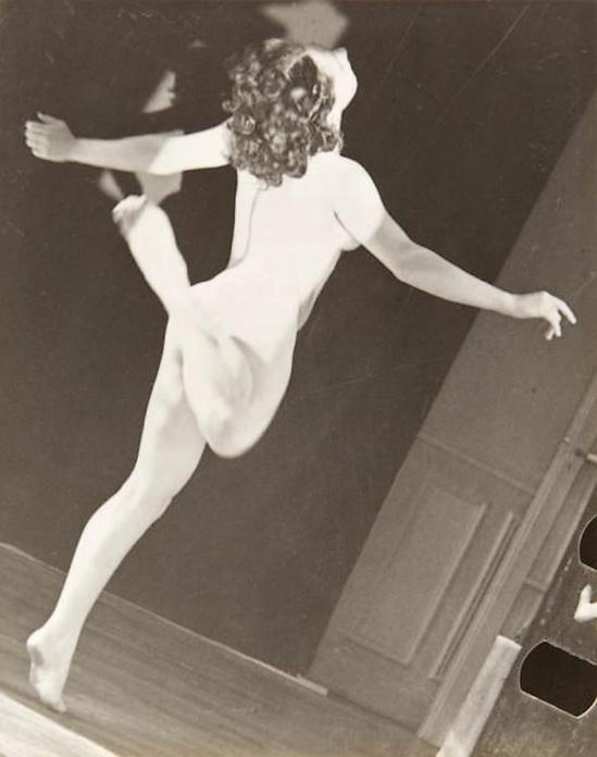 André Steiner- Sans titre, Nu dansant, 1934.( from C. Bouqueret ,André Steiner, L'homme curieux, Ed. Marval, Paris, 1999)