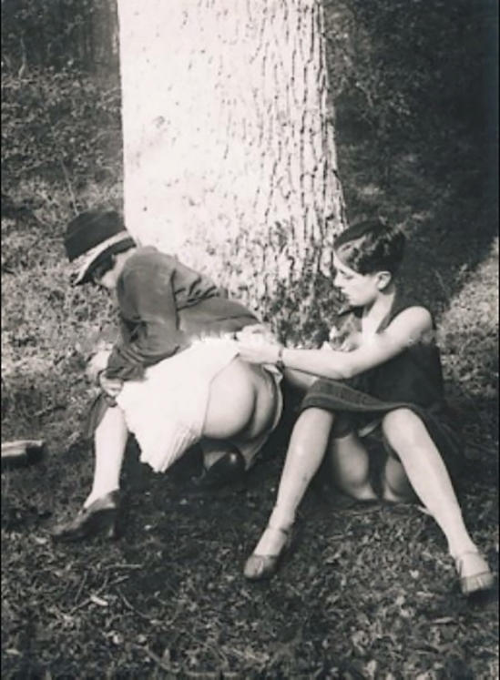 Monsieur X Dans le Bois de Vincennes 1930