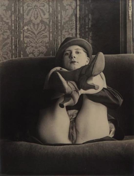 Monsieur X- Jeune femme au chapeau, 1930 1
