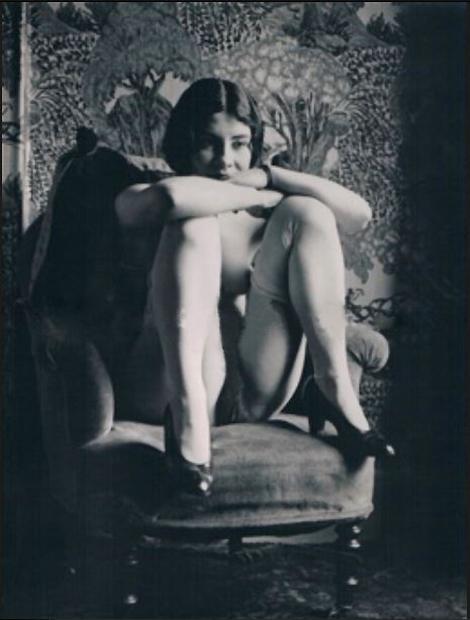 Monsieur X -Sur la chaise 1930