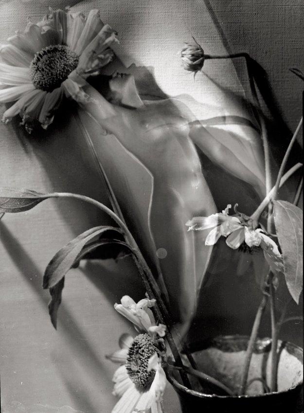 Studio Manassé- Photomontage with nude and flowers. Circa 1935
