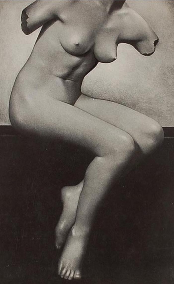 Basil Bailey- Sculpture Imitative, bromide print,1930