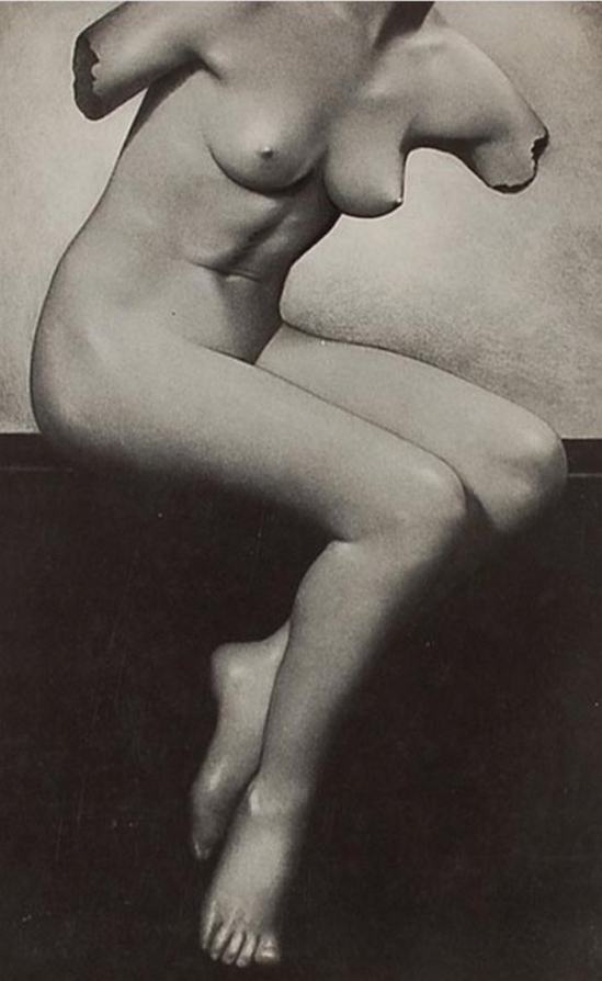 Basil Bailey- Sculpture Imitative, bromide print,1930
