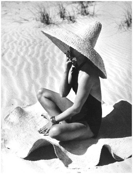 "Fernand Fonssagrives- ""Mexican Extravaganza"", Lisa Fonssagrives, 1949 (2)"