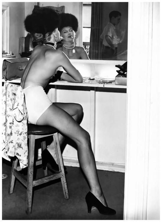 Fernand Fonssagrives- model Lisa, 1942