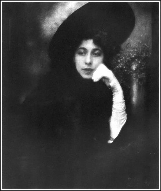 Edward Steichen - Mrs. Conde Nast, 1907