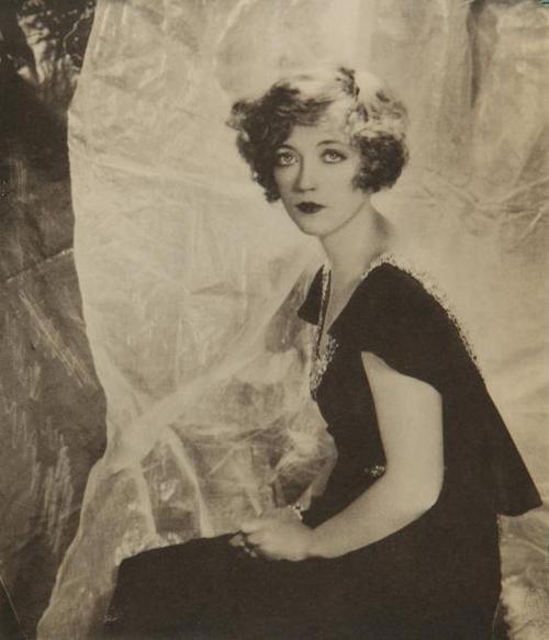 Edward Steichen - portrait de L'actrice américaine Claire Windsor, 1924