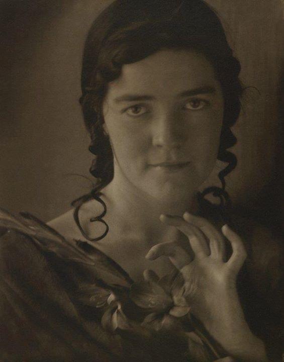Edward Steichen - Dana Steichen (His sister) ,1910