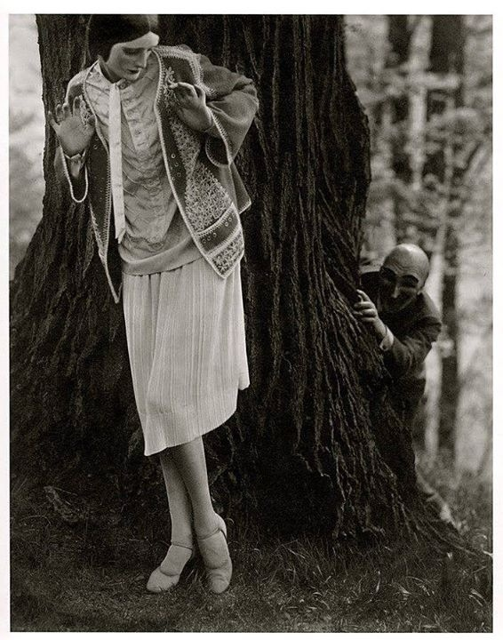 Edward Steichen -Model Marion Morehouse ( dress by Kargère) // masks by the illustrator W.T. Benda, 1926