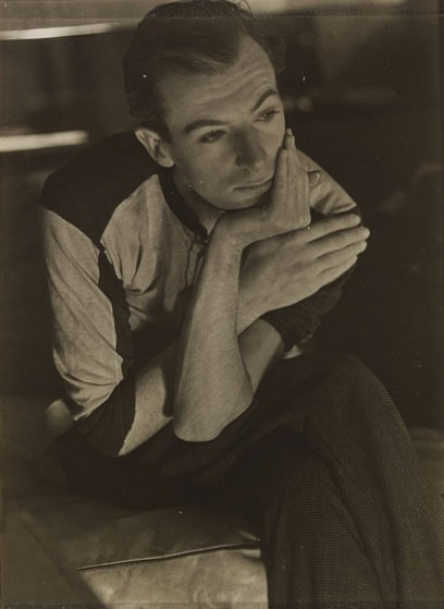 Curtis Moffat-'Cecil Beaton', About 1925 © Victoria and Albert Museum, London/Estate of Curtis Moffat