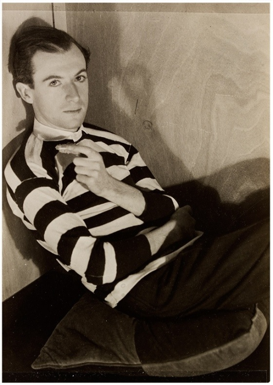 Curtis Moffat-'Cecil Beaton',About 1925 © Victoria and Albert Museum, London/Estate of Curtis Moffat