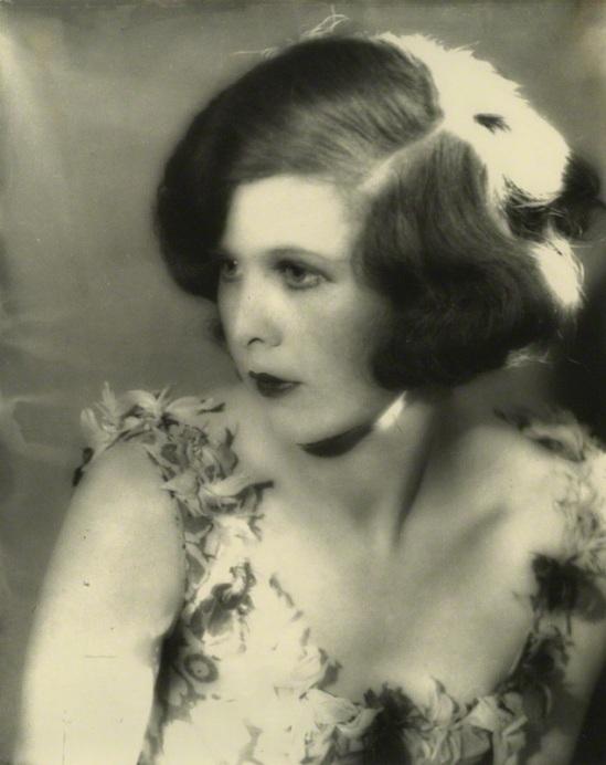 Curtis Moffat-Nancy Beaton, matte bromide print, 1920s