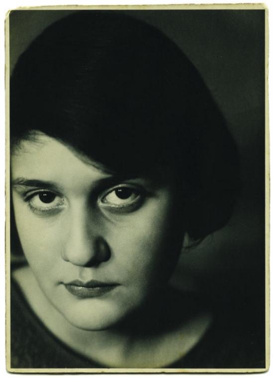 Aenne Biermann -Untitled ( Portrait of Anneliese Schiesser) , 1929
