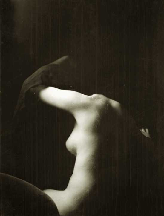 Arnold Genthe. Carolyn m Pierson, 1928
