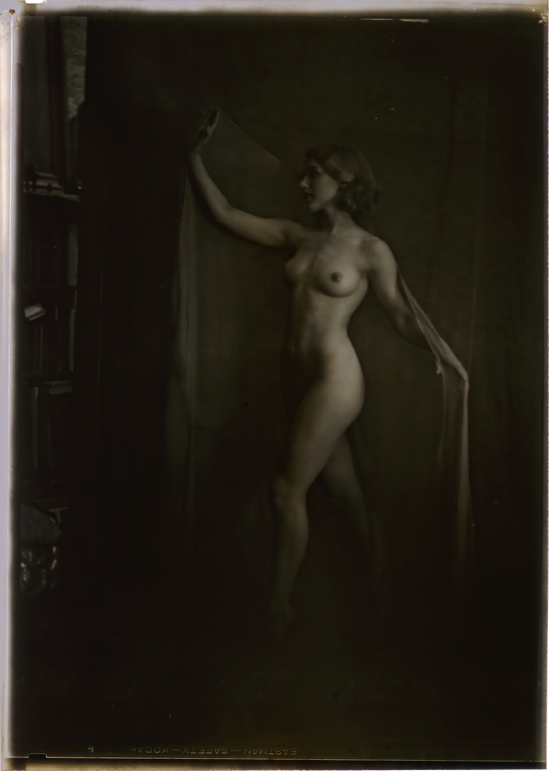 Arnold Genthe - Nude 1929 Arnold Genthe - nude 1929 Silver Nitrate Camera