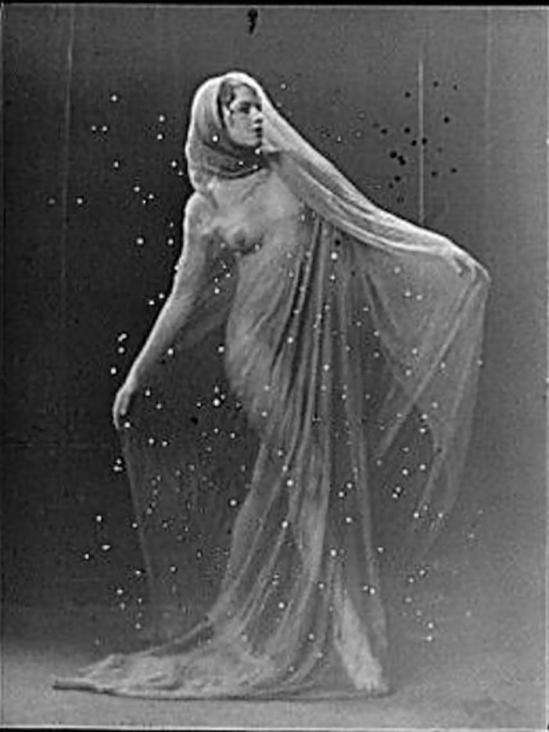 Arnold Genthe -Violet Marcellus dancing,1918_e