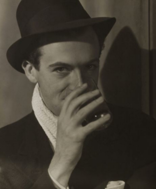 Curtis Moffat-Cecil Beaton ,About 1920 © Victoria and Albert Museum, London