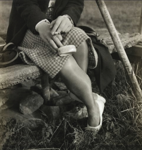 Curtis Moffat-Woman's legs, about 1925
