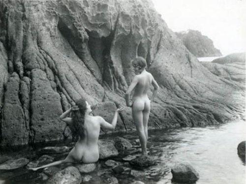 Marcel Meys- Études de nus féminins dans la nature, 1920