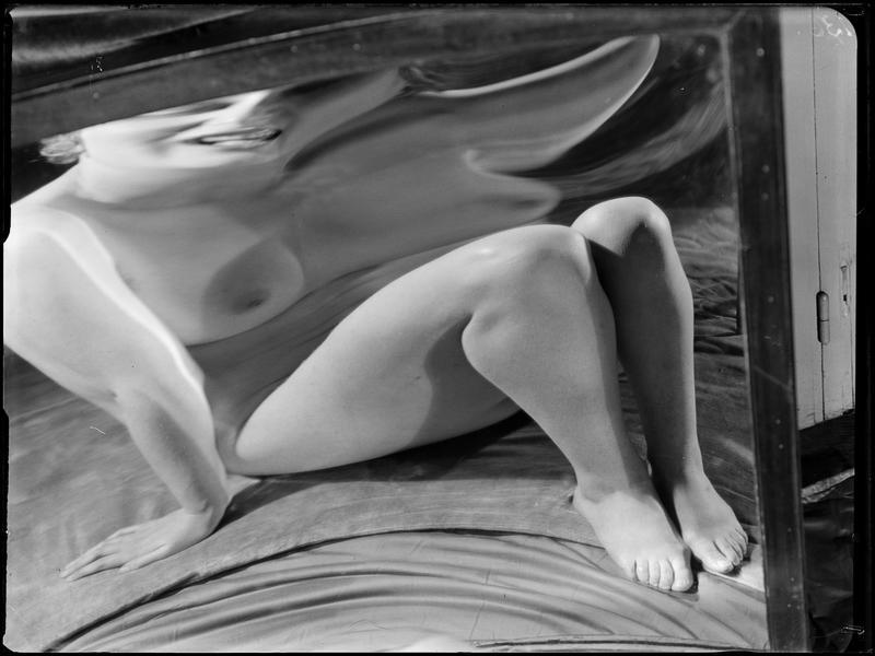 André Kertész- Distortion # 130 , 1933
