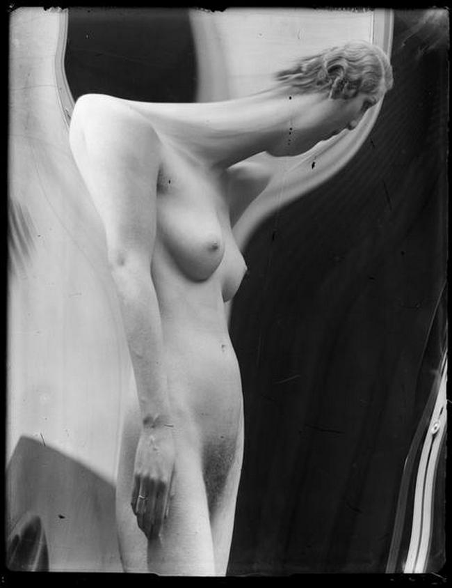 André Kertész- Distortion # 162 , 1933