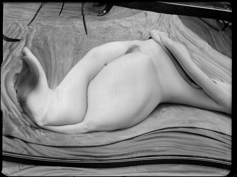 André Kertész- Distortions # 149 , 1933
