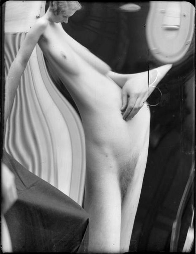 André Kertész- Distortions # 174 , 1933