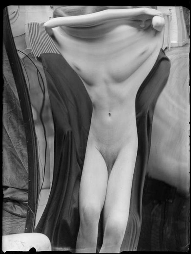 André Kertész- Distortions # 173 , 1933