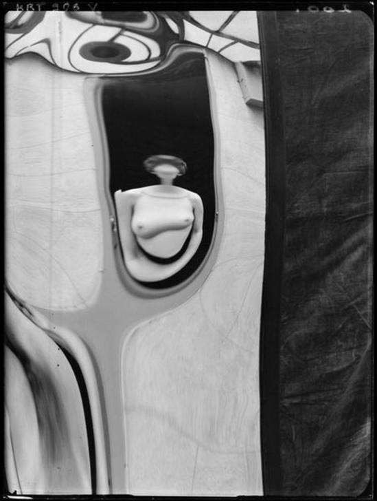 André Kertész- Distortions # 200 , 1933