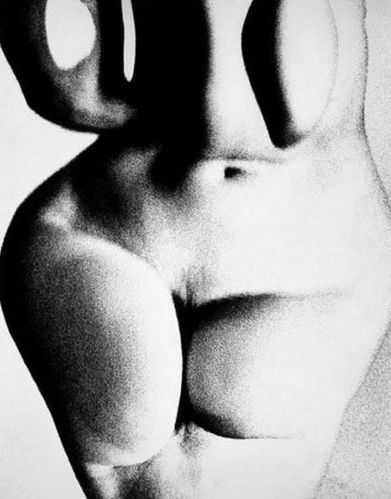 Erwin Blumenfeld Untitled, distorstion New York, date unknown