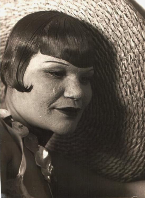 Florence Henri - Femme grêlée vers 1930