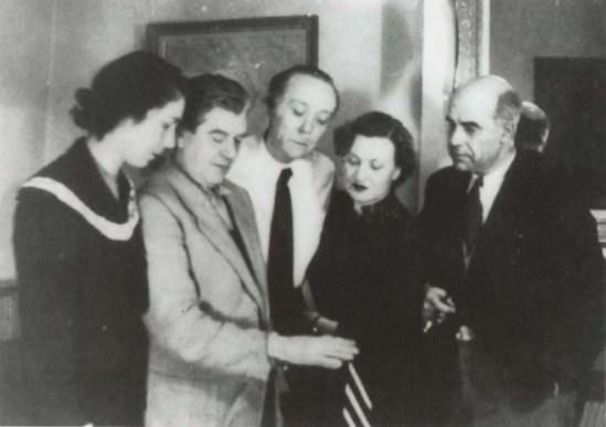 René Magritte-La fidélité des images- L'énigme,Angèle Sanders, René Magritte, Louis Scutenaire, Irène Hamoir et Paul Colinet. Bruxelles, 01.1950