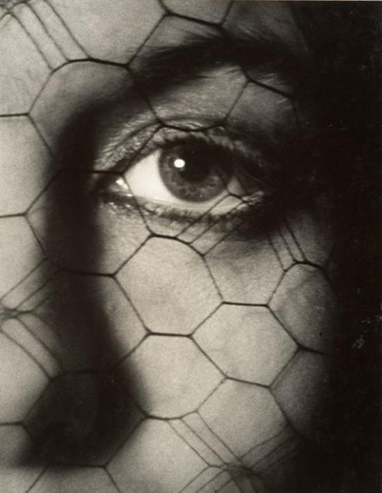 "John Gutmann- ""Memory"",1939"